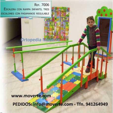 Escalera infantil 3 escalones con rampa